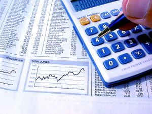 A bank háttérosztályán kalkulálják ki a végleges hitelösszeget